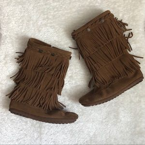 Girls Minnetonka Fringe Boots